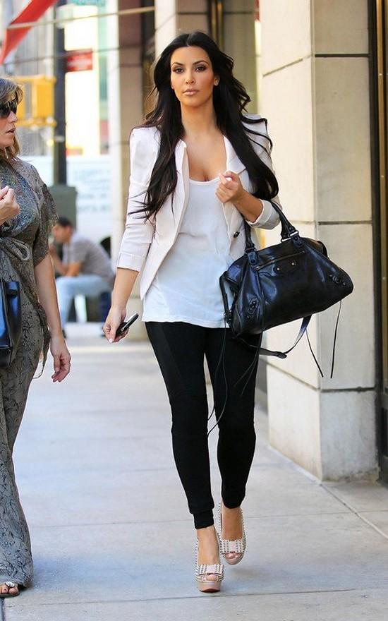kim-kardashian-blazer-look-do-dia